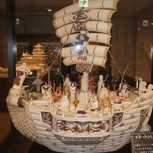 日本最大的象牙雕刻七福神宝船