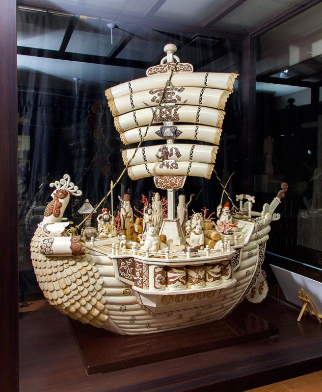 日本最大的象牙雕刻 七福神宝船(光香堂 业绩)